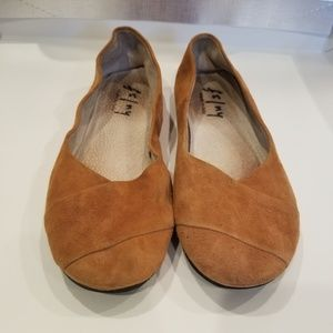 FS/NY SUEDE FLATS